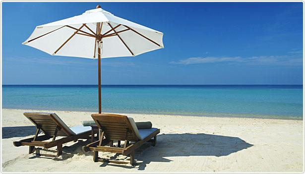bahamas beach under umbrella